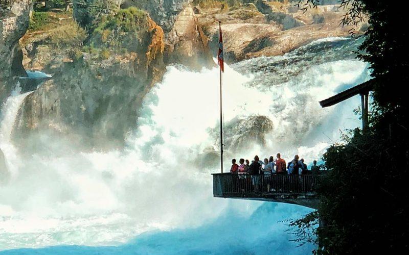 น้ำตก Rheinfalls น้ำตกกว้างที่สุดในทวีปยุโรป