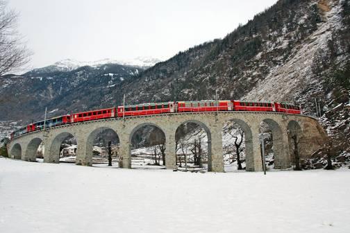 วิธีการจองที่นั่งรถไฟสายชมวิว Bernina Express